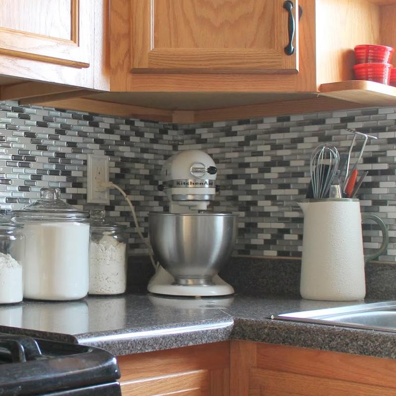 A17001 - Peel and Stick Backsplash Tile for Kitchen