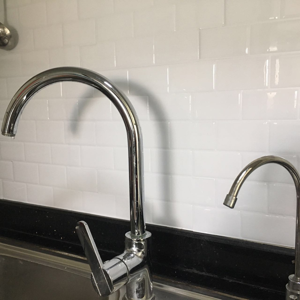 A17050 - Kitchen Backsplash Tile Peel and Stick White Brick Subway for Bathroom